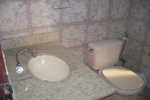 Detalhe do banheiro social.
